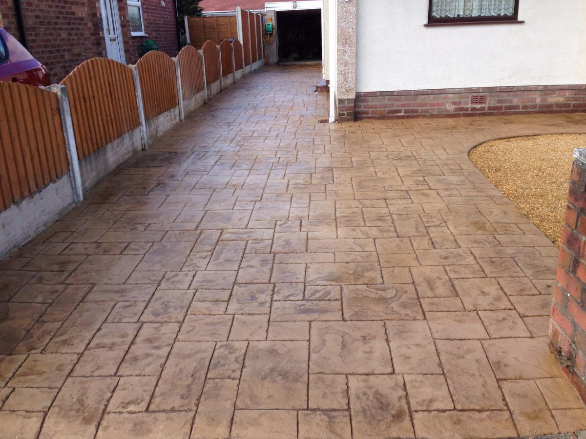 Stunning colours are possible, as per this Fleetwood imprinted concrete driveway.
